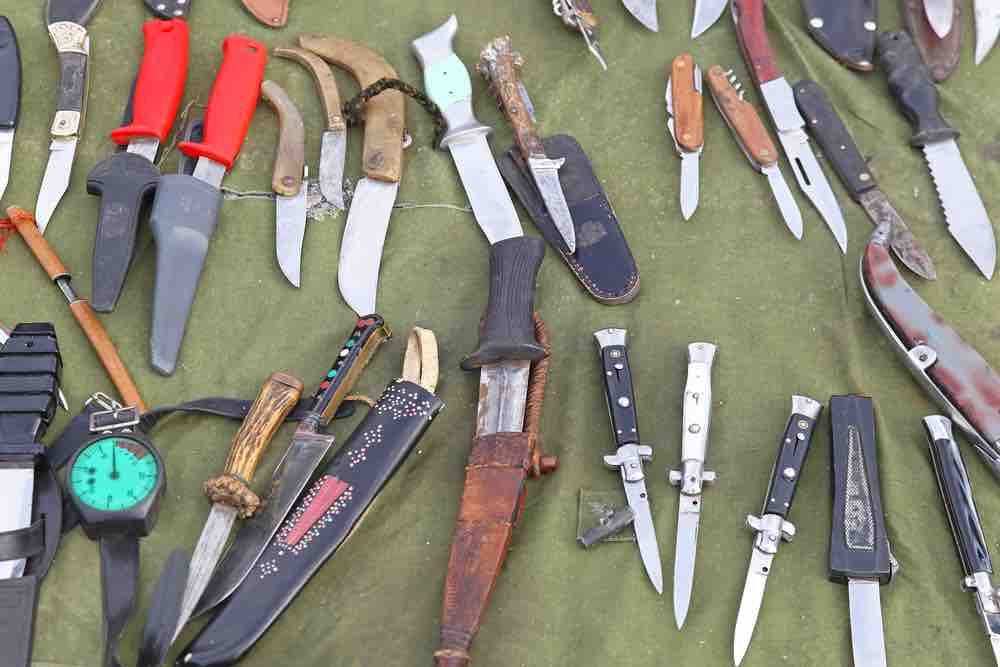 Forget aesthetics when picking out the right survival knife for your needs.