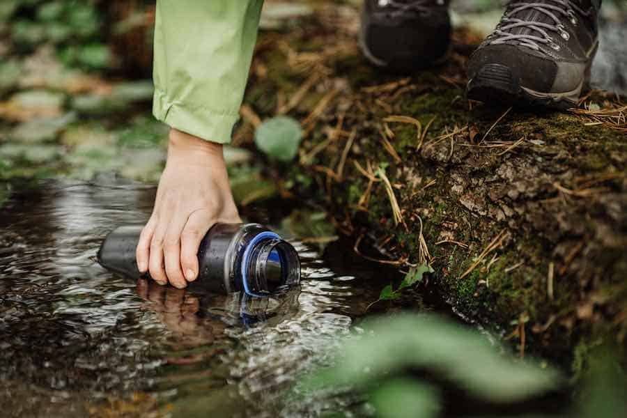 How to survive: Gathering Water