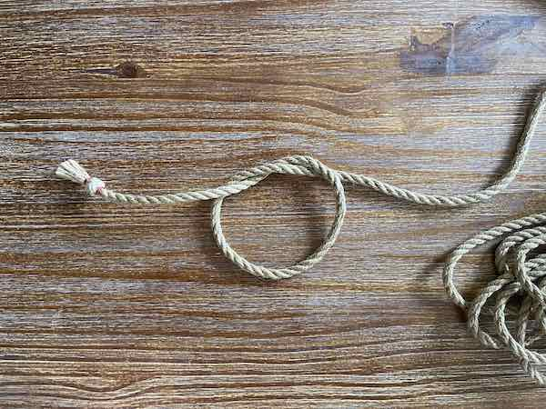 Double Overhand Knot 4