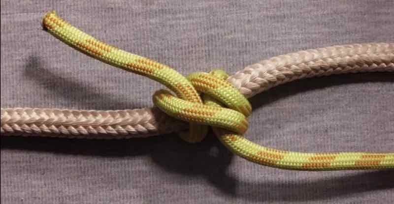 Rolling Hitch Knot Step 8