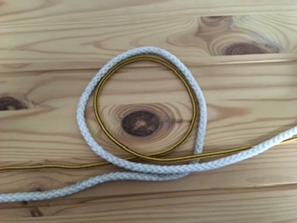 Form a loop to tie Surgeon's Knot